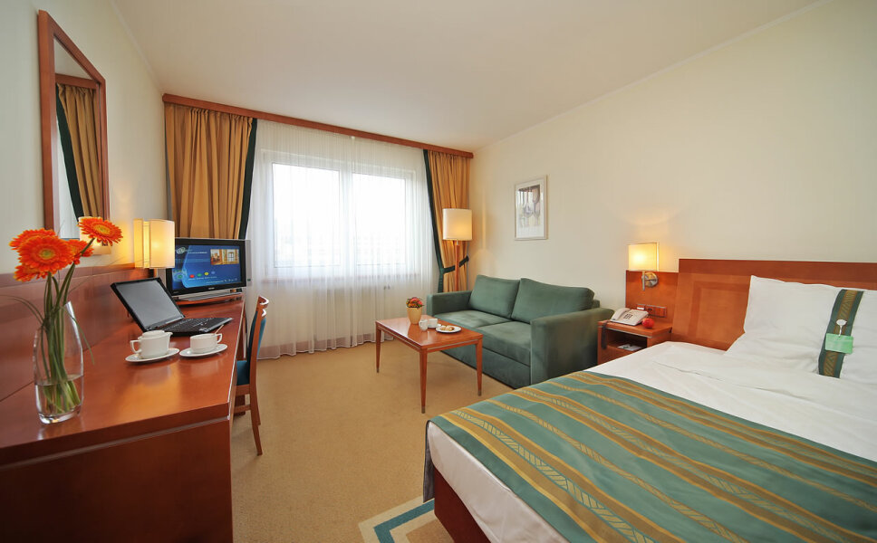 Holiday inn pokoj-5.jpg