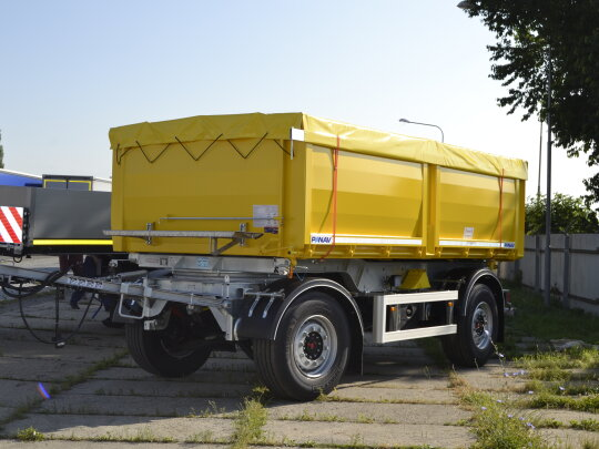 Turntable tipper trailer
