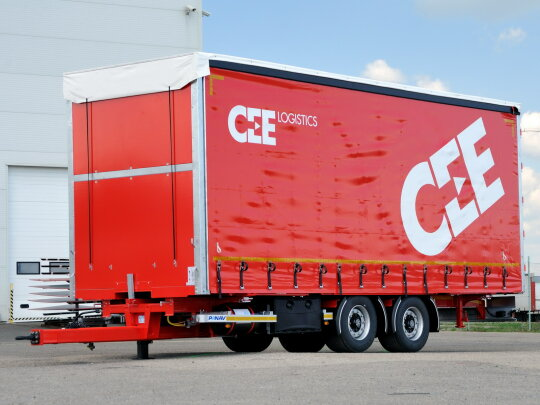 Curtainsider tandem trailers